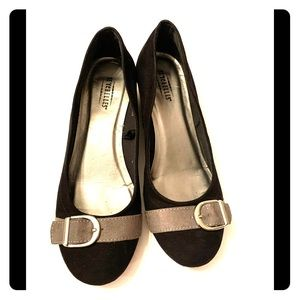 Seychelles Shoes Size 7 Black and Gray